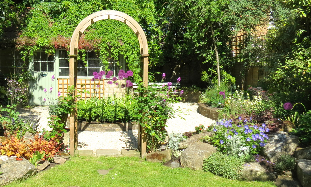 planting and maintenance gardenia gardens gardenia gardens. Black Bedroom Furniture Sets. Home Design Ideas